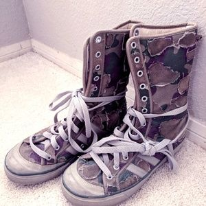 Adidas limited vintage hightop camo sneaker boots